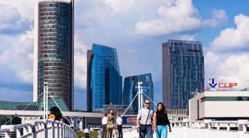 Il nuovo volto di Vilnius è fatto di ponti e grattacieli moderni (foto:alamy/milestonemedia)