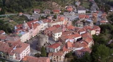 Varese Ligure, borgo con il centro fortificato