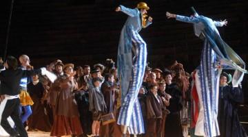 La Bohème di Giacomo Puccini, allestimento all'Arena di Verona del 2005 (foto Brenzoni)