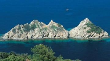 Al largo della Provenza, le isole Porquerolles e Port-Cros, protette e verdissime, con mare caraibico