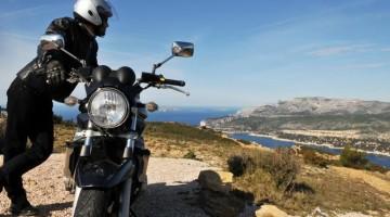 In moto in Costa Azzurra (foto P. Leroux)