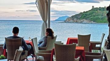 La terrazza sul mare dell'hotel La Bitta, ad Arbatax