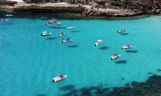 Foto Lampedusa, l'africana