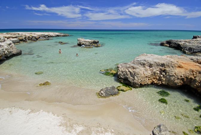 Spiagge e tavole, tra Brindisi e Bari