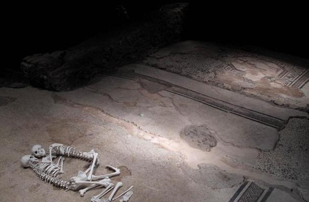 Foto Uniti, dal Neolitico a oggi