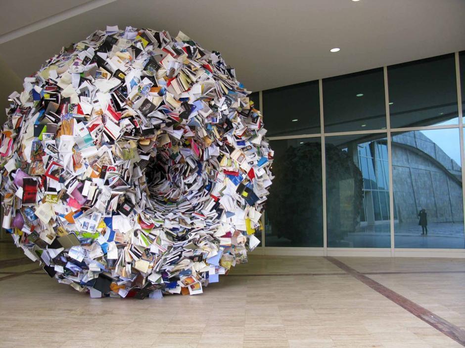 L'arte rende omaggio al libro