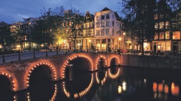 Winter Magic Amsterdam: il festival dal 7 dicembre 2012 al 13 gennaio 2013 propone giochi di luce sull?acqua ed eventi speciali nella città olandese