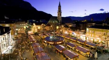 Nato nel 1991, in piazza Walther e nelle vie del centro storico il mercatino di Bolzano è il più antico d'Italia (foto: Alto Adige Marketing/Alex Filz)