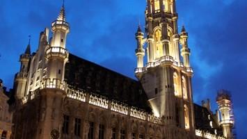 L?Hotel de Ville di Bruxelles: dopo le bellezze della fiera antiquaria è imperdibile un tour nella celebre Grand Place (foto: threesixty)