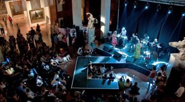 Atmosfera di festa, eventi e concerti animano la Notte dei Musei di Budapest (foto: Flickr/redteam)