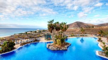 La piscina dell'. Il quattro stelle a Fuerteventura offre diverse piscine e una spa