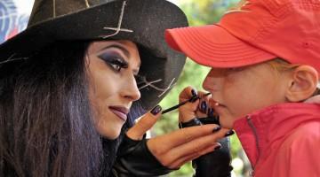 Gardaland: make up a tema per bambini e tante altre sorprese catapultano grandi e piccini nel mondo delle streghe