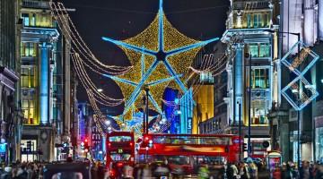 Luci di Londra: tutti pronti per il 5 novembre 2012, quando si accendono le luminarie in Oxford Street, la via dello shopping giovane (foto: Alamy/Milestonemedia)
