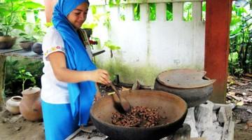 Con il cacao vengono preparate specialità gastronomiche grazie ad antiche ricette maya