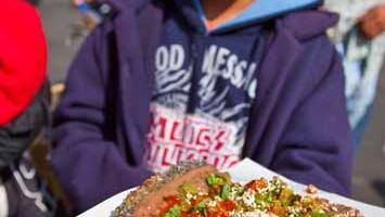 Tacos messicani: arrivano fumanti e farciti con sughi di ogni genere (foto: Alamy/Milestonemedia)