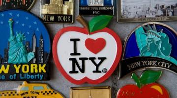 Il simbolo più famoso della Grande Mela è forse il logo I love NY, una dichiarazione d'amore che ha fatto il giro del mondo (foto: Alamy/Milestonemedia)