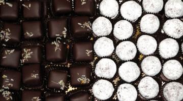 Praline, dolcetti e tartufi farciti al cioccolato sono i peccati di gola dell'Eurochocolate di Perugia