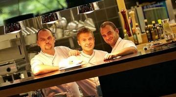 Ben 90 ristoranti in tutto il paese hanno preparato piatti speciali e menu d?eccezione a prezzi decisamente ?appetitosi? e anticrisi, incluse le cucine con a capo chef stellati