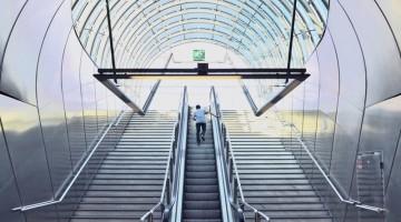 La nuova stazione metro Hradcanska di Praga (foto: Alamy/Milestonemedia)