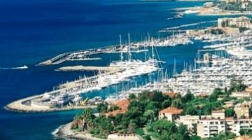 Sanremo: la città si trova in una insenatura che si affaccia sul mar ligure (foto: Archivio Agenzia In Liguria)