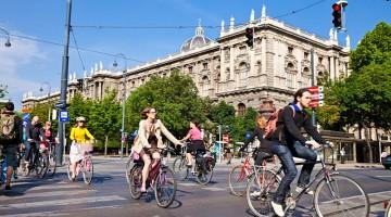 Nel 2013 Vienna è la capitale della bicicletta: i campanelli trillano e i ciclisti invadono le strade della capitale (foto: Kromus/PID)