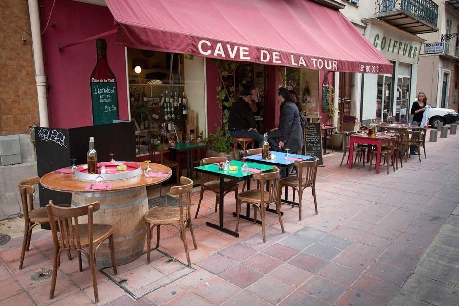 Nizza: colazione all'aperto e mercatini