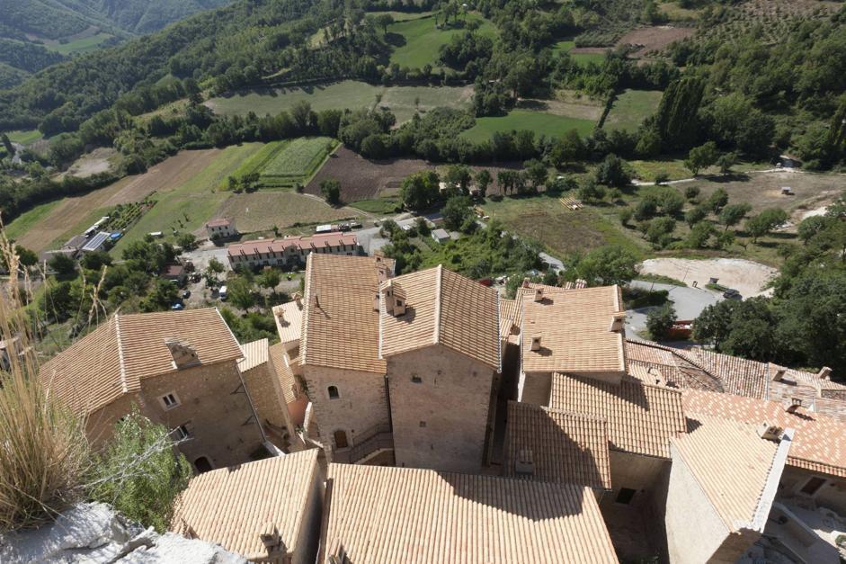 Foto Umbria, via dallo stress nei borghi rinati