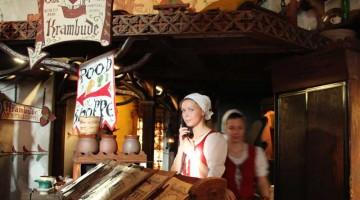 Il ristorante Olde Hansa, ricavato all'interno di una casa medievale del centro di Tallinn (foto Carlotta lombardo)