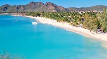 Uno spettacolo nello spettacolo, le spiagge di Antigua sono incantevoli (foto Alamy/Milestone)