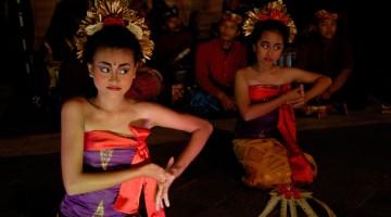 Balli tradizionali indonesiani (foto Alamy/Milestone Media)