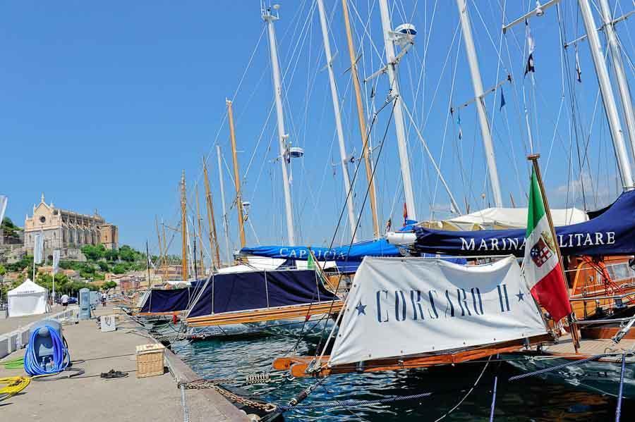Gaeta, barche d'epoca e spiagge sorprendenti