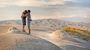 Atmosfere magiche e romantiche nelle bianche valli turche (foto:alamy/milestonemedia)