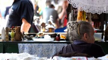 I tradizionali mercatini di Budapest dove si acquistano oggetti vintage, souvenir a buon mercato e oggetti artigianali (foto:Flickr/Sybren)