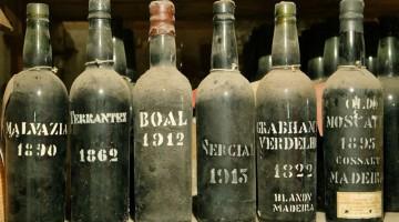 Il vino è patrimonio storico a Madeira: nell?arcipelago si gustano oltre 30 diverse varietà, come il Sercial, il Boal, il Verdello o la Malvasia (foto: Madeira Islands Tourism)