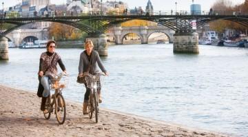 Uno dei modi migliori per girare Parigi, arrivando fino alla Senna, è in bicicletta