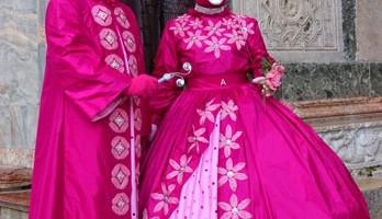 Cortei e rievocazioni storiche con le maschere sfilano per le calli di Venezia (foto: Videocomunicazione Comune di Venezia)