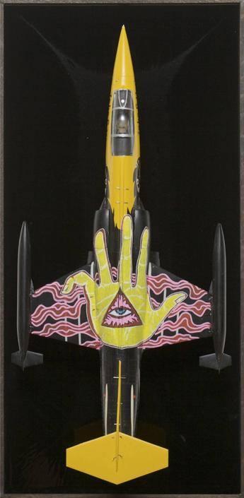 Aerei, cimeli, graffiti: la mostra di Zhivago Duncan