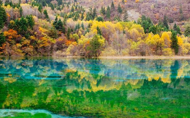 Foto Natura-spettacolo: i 16 laghi più incredibili