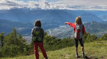 Emozioni di montagna e meraviglie di città. Il Trentino conquista grandi e piccoli vacanzieri