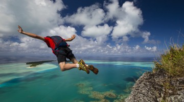 BASE JUMP FRENCH POLYNESIA