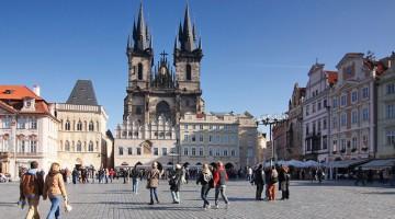 Praga: la piazza della città vecchia (foto: CzechTourism.com)