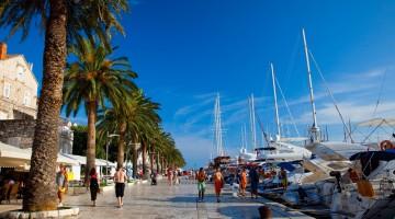 L'isola di Hvar, in Croazia, è diventata la party island per eccellenza della costa dalmata (foto: Alamy/ Milestonemedia)