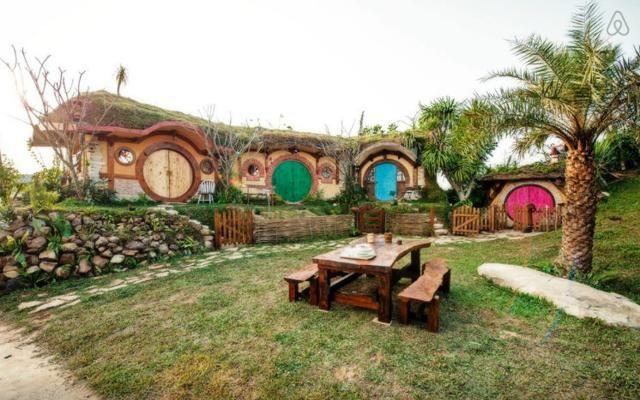 Foto Dormire con gli hobbit: le case-vacanza per i fan di J.R.R. Tolkien