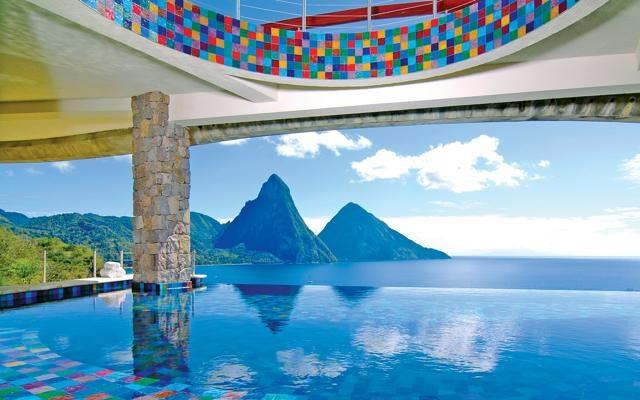 Foto Hotel da favola, le piscine a sfioro più spettacolari
