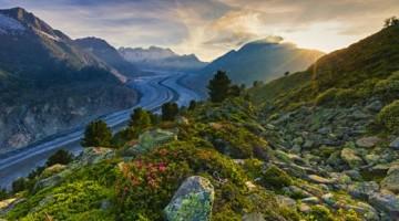 Chi ama le emozioni adorerà l'Aletsch Panoramaweg, il Sentiero del ghiacciaio