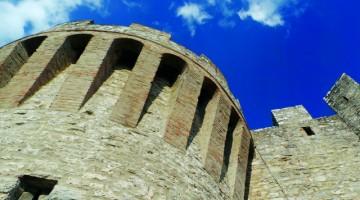Uno scorcio del castello di Castiglione, sul Lago Trasimeno