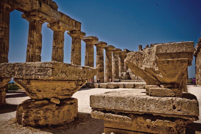 Il parco archeologico di Selinunte. Il percorso di visita comprende l'Acropoli, la collina orientale, il Santuario della Malophoros e le due Necropoli