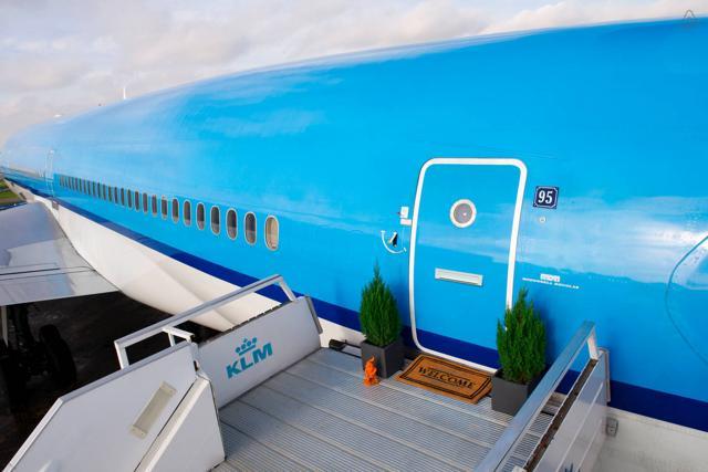 Se la casa è un aereo: l'appartamento più curioso di Amsterdam