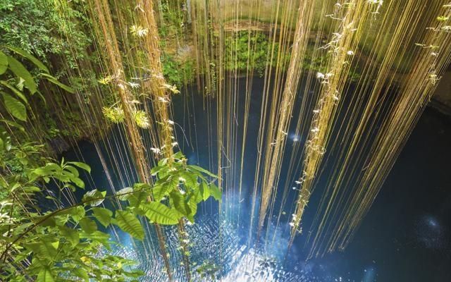 Foto Paradisi  blu:    le piscine più belle create dalla Natura