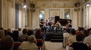 Il quartetto Hermes suona nella Sala degli Specchi di Palazzo Ducale (foto Fiorenza Cicogna)